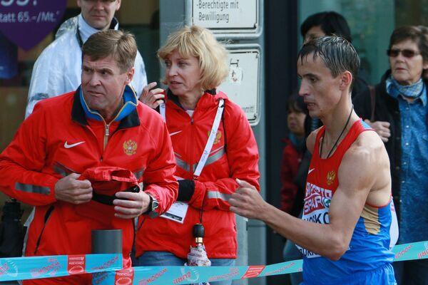 Виктор Чегин (слева)