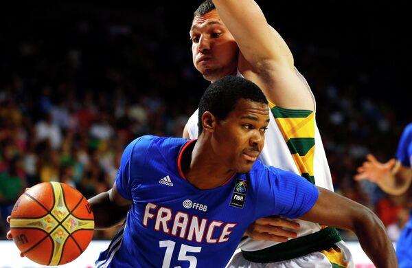 Игровой момент матча Франция - Литва