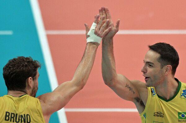 Бруну (слева) и Рафаэл Вьейра ди Оливейра