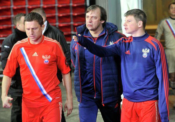 Игорь Семшов (слева), Андрей Аршавин (справа) и Александр Бородюк (в центре)