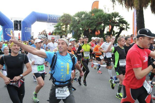 Участники марафона Ницца - Канны на старте