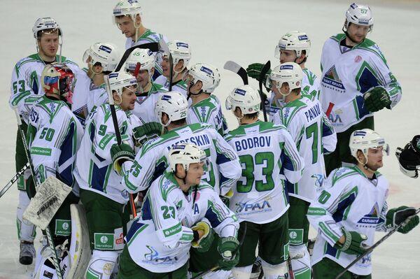 Игроки Салавата Юлаева радуются победе