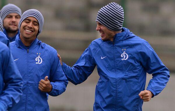Игроки Динамо Борис Ротенберг и Кристиан Нобоа (справа налево)
