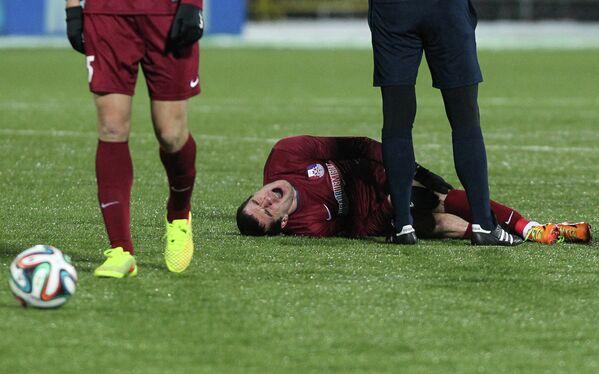 Игрок ФК Зенит Аслан Дудиев, получивший травму.