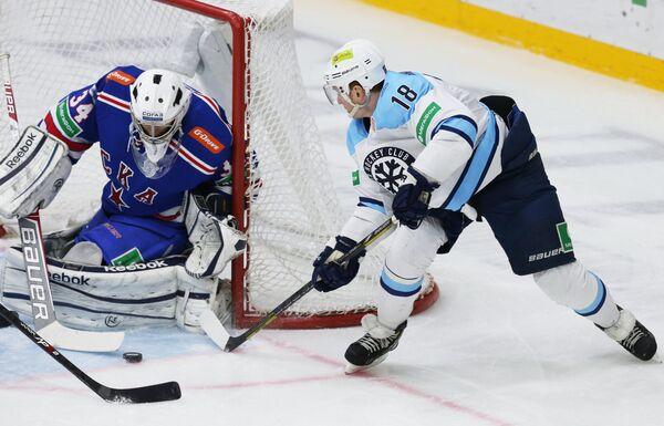 Игровой момент матча СКА - Сибирь