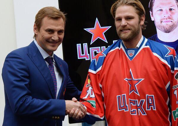 Сергей Федоров (слева) и Бен Игер