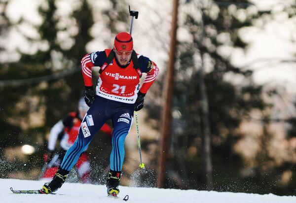 Евгений Гараничев (Россия) на дистанции спринта среди мужчин первого этапа Кубка мира по биатлону
