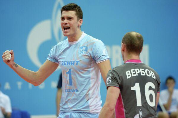 Игроки ВК Зенит-Казань Мэттью Андерсон (слева) и Алексей Вербов