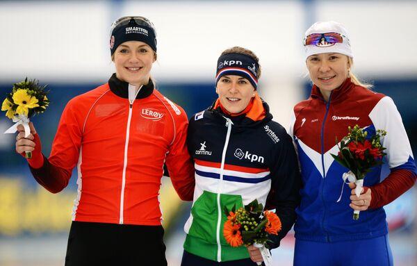 Ида Ньотун (Норвегия) - второе место, Ирен Вюст (Нидерланды) - первое место, Юлия Скокова (Россия) - третье место