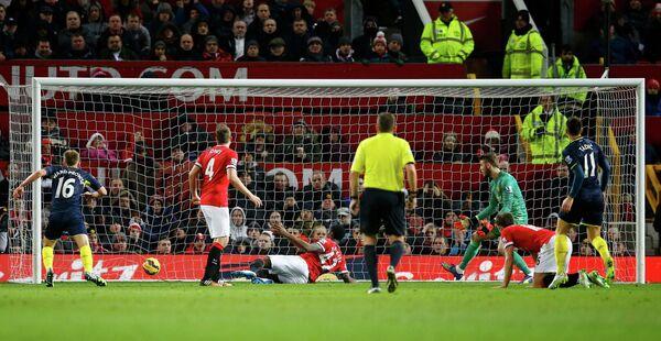 Игровой момент матча Манчестер Юнайтед - Саутгемптон