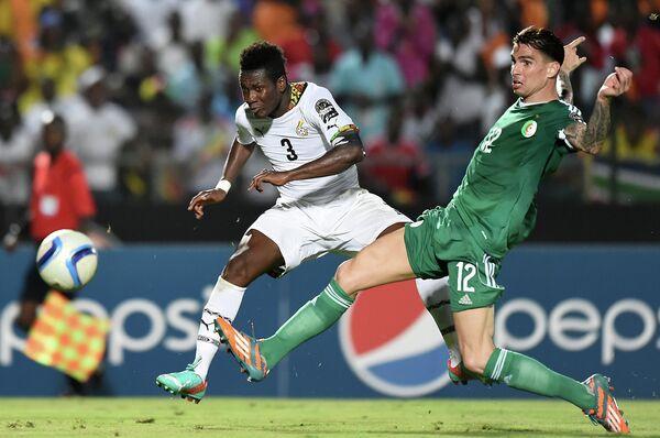 Игровой момент матча Гана - Нигерия