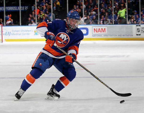 Защитник клуба НХЛ Нью-Йорк Айлендерс Ник Ледди