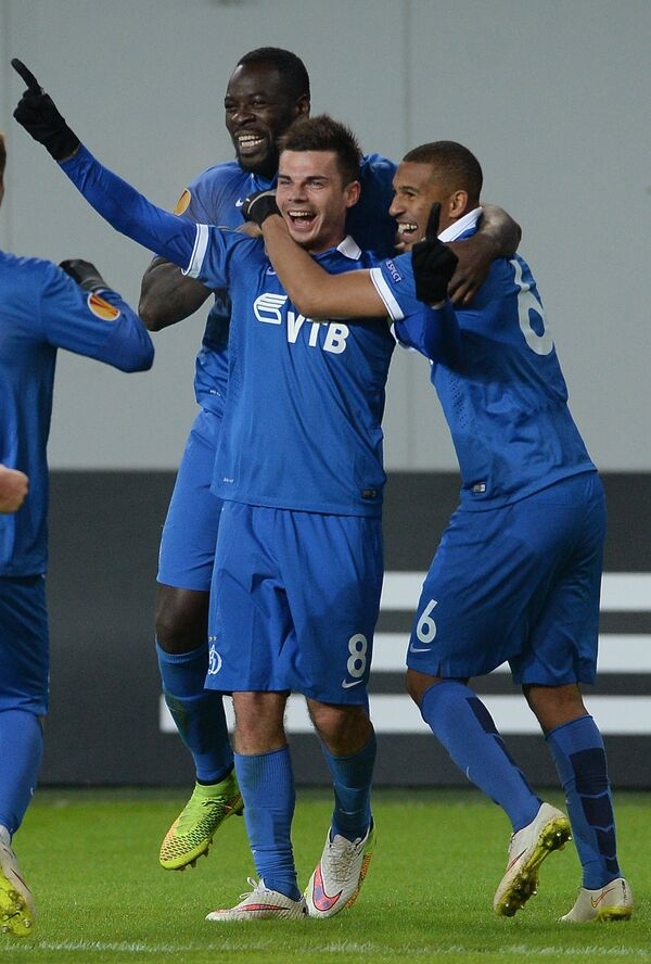 Игроки ФК Динамо Кристофер Самба, Артур Юсупов и Вильям Венкёр (слева направо)