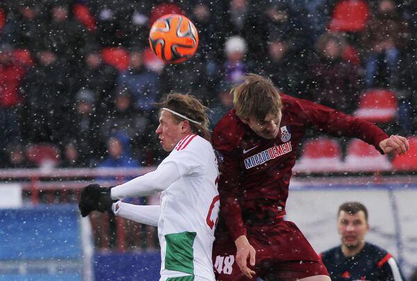 Игровой момент матча Мордовия - Локомотив