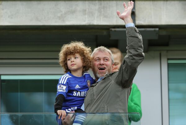 Владелец Челси Роман Абрамович со своим сыном Аароном