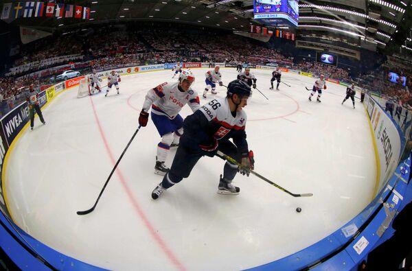 Игровой момент матча Словакия - Норвегия