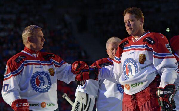 Вячеслав Фетисов, Владимир Мышкин и Павел Буре (слева направо)