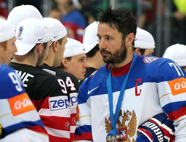 Форвард сборной России Илья Ковальчук (справа)