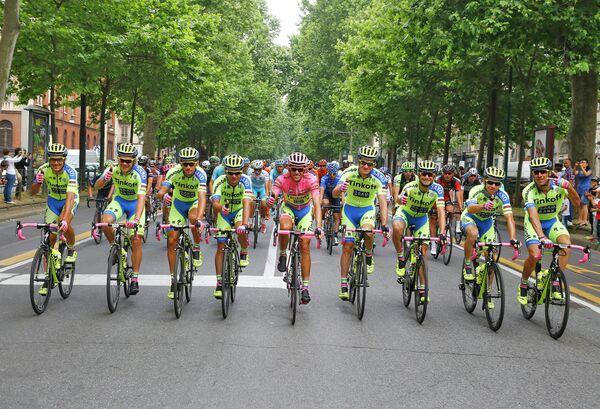 Велогонщики команды Tinkoff-Saxo