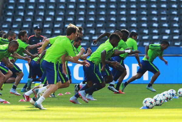 Футболисты Ювентуса во время тренировки