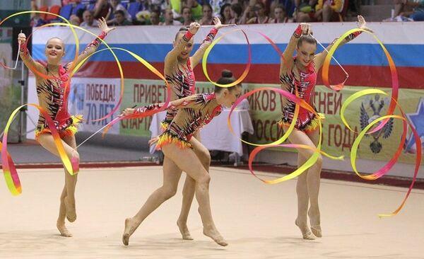 Соревнования по художественной гимнастике на летней Спартакиаде учащихся