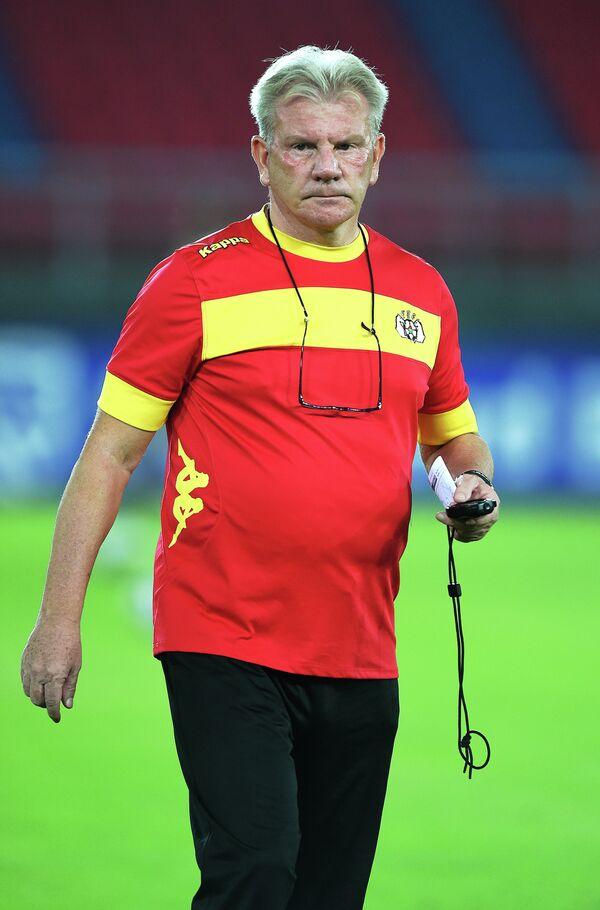 Футбольный тренер Пол Пут
