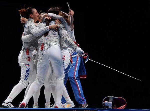 Спортсменки сборной России по фехтованию