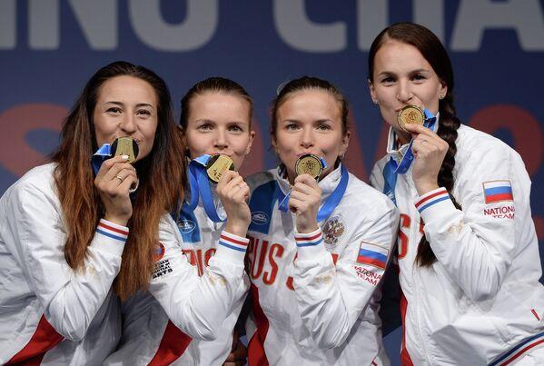 Яна Егорян, Екатерина Дьяченко, Юлия Гаврилова и Софья Великая (слева направо)