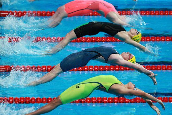 Пловчихи