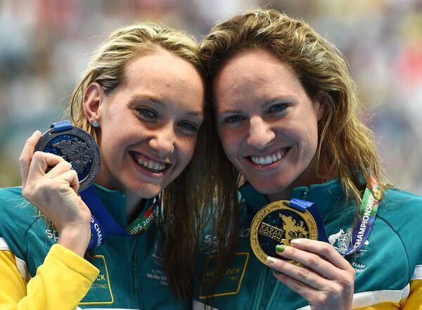 Мэдисон Уилсон (Австралия) - серебряная медаль и Эмили Сибом (Австралия) - золотая медаль (слева направо)