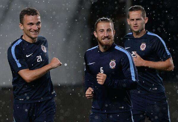 Игроки ФК Спарта (Прага) Давид Лафата, Лукаш Ваха, Марио Голек (слева направо)
