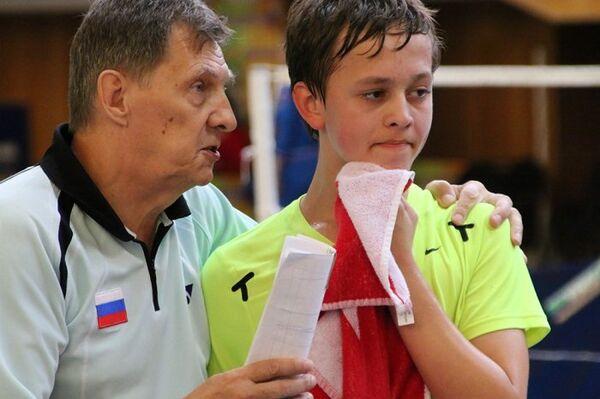 Алексей Ивашин (слева)