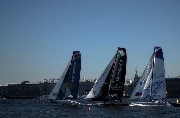 Шестой этап регаты Extreme Sailing Series на скоростных парусных катамаранах класса Extreme40 в Санкт-Петербурге