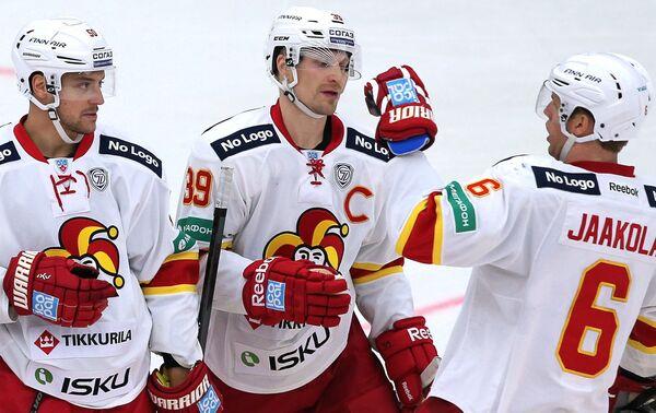Юхаматти Аалтонен, Нико Капанен и Топи Яакола (слева направо)