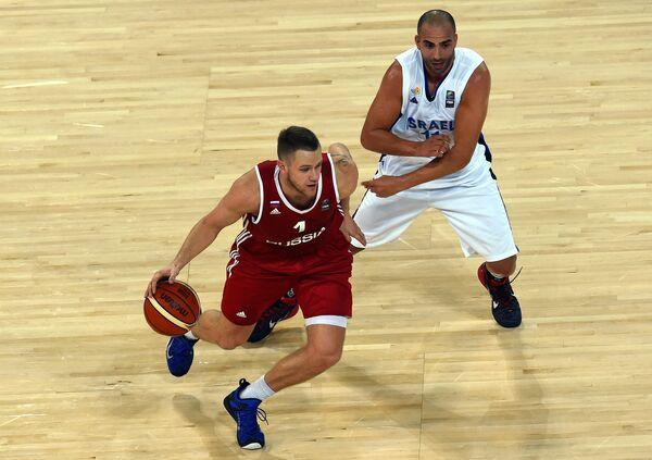 Игровой момент матча Россия - Израиль