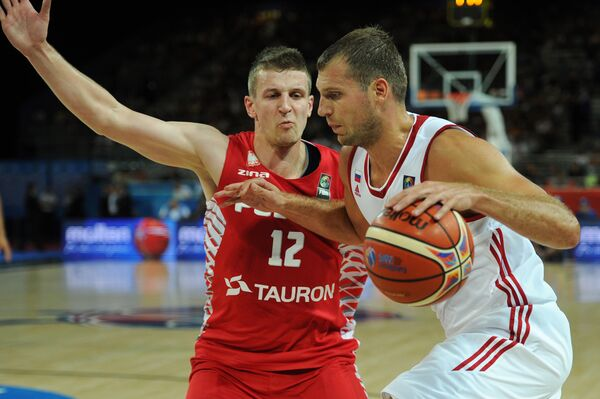 Игровой момент матча Польша - Россия