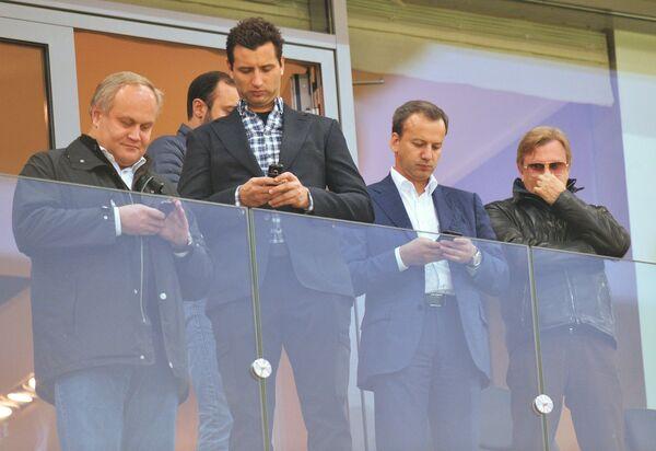 Юрий Нагорных, Роман Ротенберг и Аркадий Дворкович (слева направо)