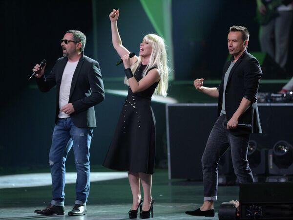 Участники группы Дискотека Авария Алексей Рыжов, Анна Хохлова, Алексей Серов (слева направо)