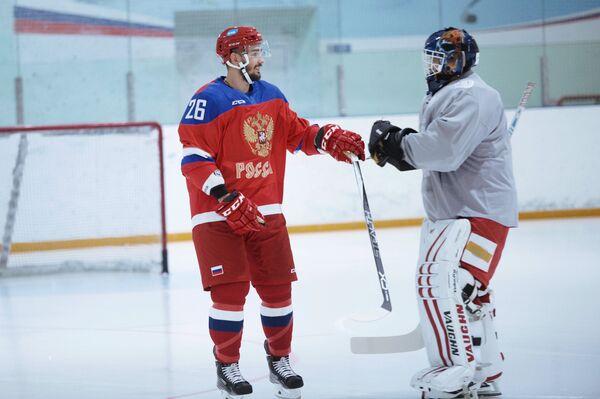 Вячеслав Войнов (слева)