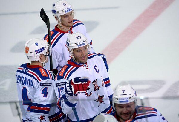 Игроки СКА Ярно Коскиранта, Роман Рукавишников, Илья Ковальчук и Дмитрий Калинин (слева направо)