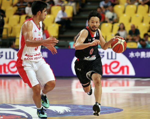 Игровой момент матча чемпионата Азии по баскетболу между сборными Китая Филиппин