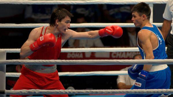 Адлан Абдурашидов (слева)