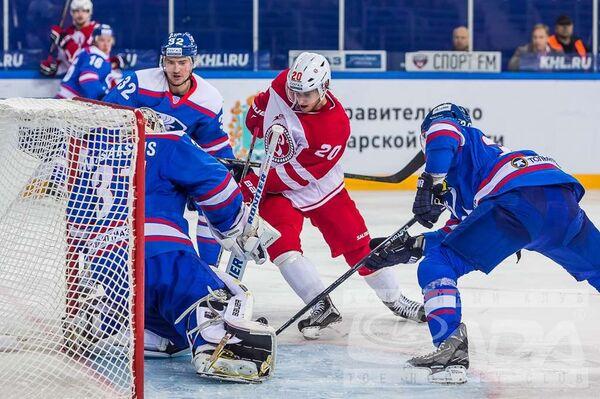 Игровой момент матча Лада - Витязь