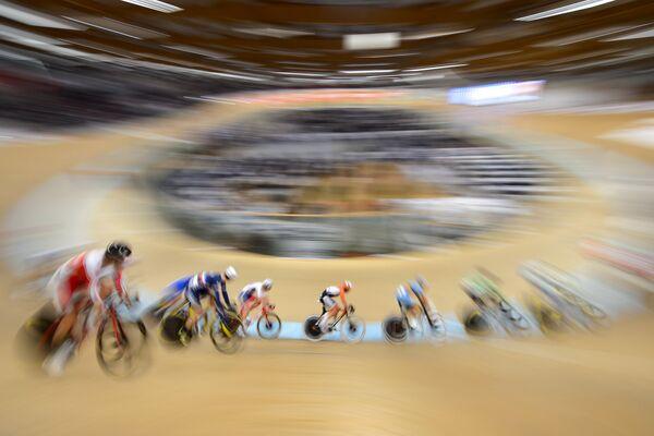 Велогонщики на чемпионате Европы по велоспорту на треке в швейцарском Грехене