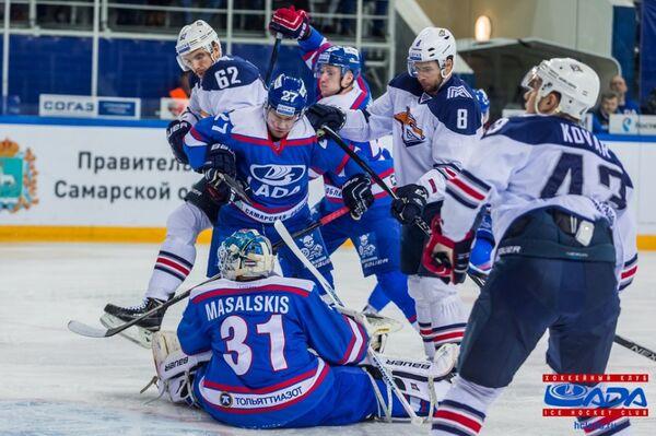 Игровой момент матча КХЛ ХК Лада - ХК Металлург (Магнитогорск)