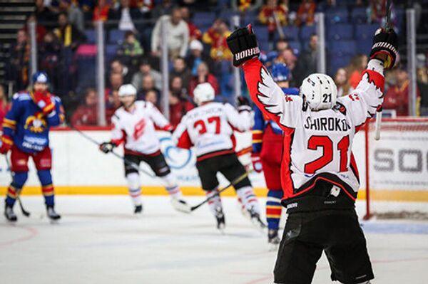 Игровой момент матча КХЛ между Авангардом и Йокеритом