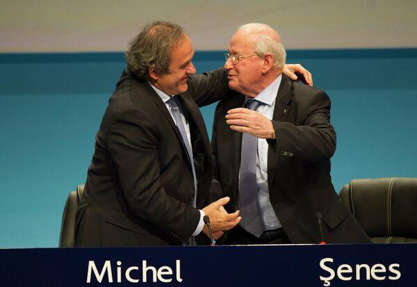 Мишель Платини и Сенеш Эрзик (слева направо)