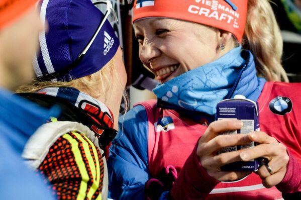 Справа налево: Кайса Мякяряйнен (Финляндия) и Мириам Гесснер (Германия)