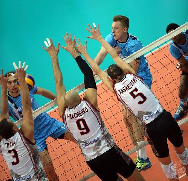 Игровой момент матча чемпионата России по волейболу ВК Зенит - ВК Нижний Новгород