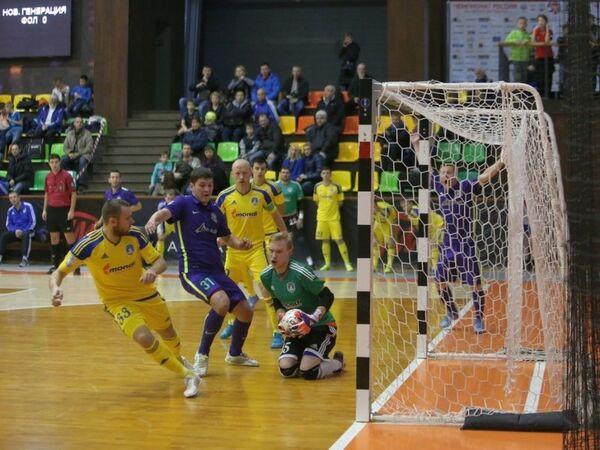 Игровой момент матча чемпионата России по мини-футболу Новая генерация - Политех
